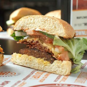 burger-bacon-attack-maplewood-burgers